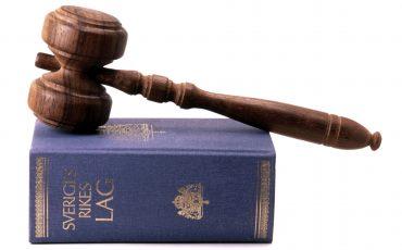 Lagbok och ordförandeklubba