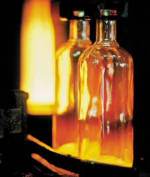 Glödheta flaskor från Ardagh i Limmared