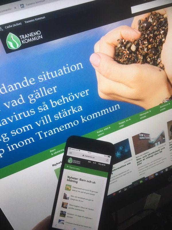 Webbplatsens startsida på dator och i mobiltelefon