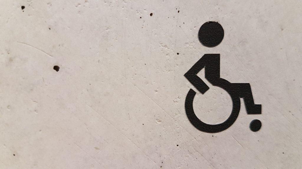 tecknad bild av en rullstol